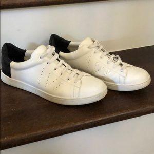 Vince tennis shoes